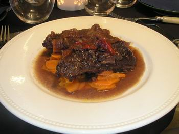 Boeuf bourguignon, catering aan boord. Catering, drinks, food, beverages, sailing, trips, weddings, location